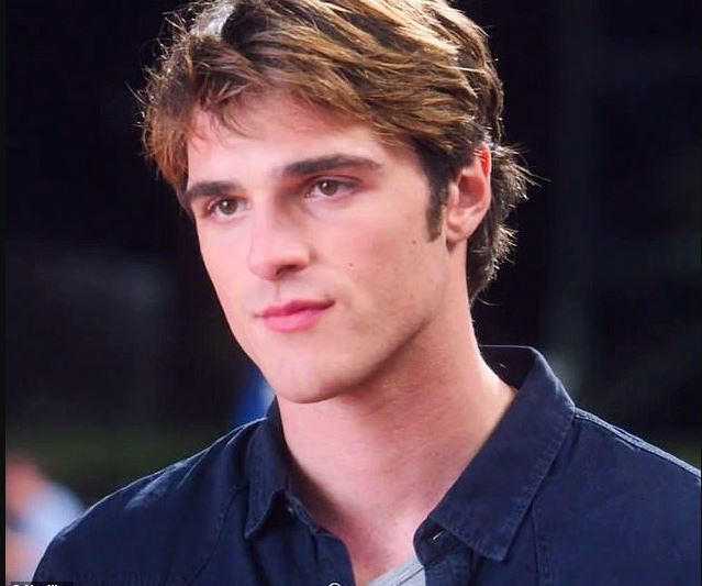 Jacob Elordi Profile| Contact Details (Phone Number, House Address, Email ID)