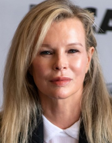 Kim Basinger Phone number, Email Id, Instagram, Tiktok, and Contact Details
