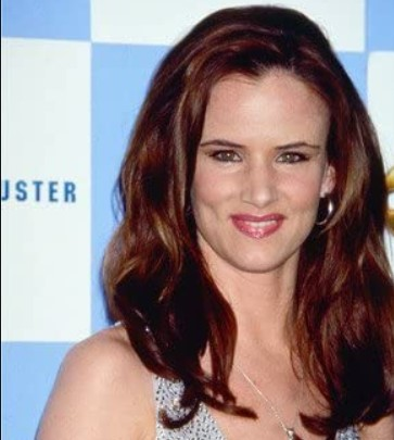 Juliette Lewis Phone number, Email Id, Instagram, Tiktok, and Contact Details
