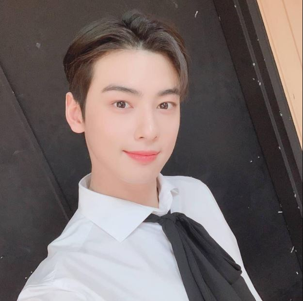 Cha Eun-woo Phone number, Email Id, Instagram, Tiktok, and Contact Details