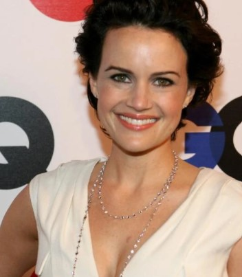 Carla Gugino Phone number, Email Id, Instagram, Tiktok, and Contact Details