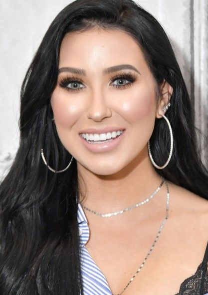 Jaclyn Hill Phone number, Email Id, Instagram, Tiktok, and Contact Details