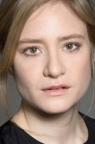 Julia Jentsch Phone number, Email Id, Instagram, Tiktok, and Contact Details
