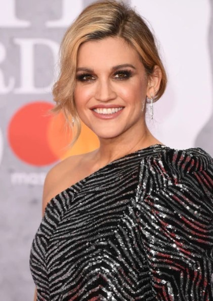 Ashley Roberts Phone number, Email Id, Instagram, Tiktok, and Contact Details