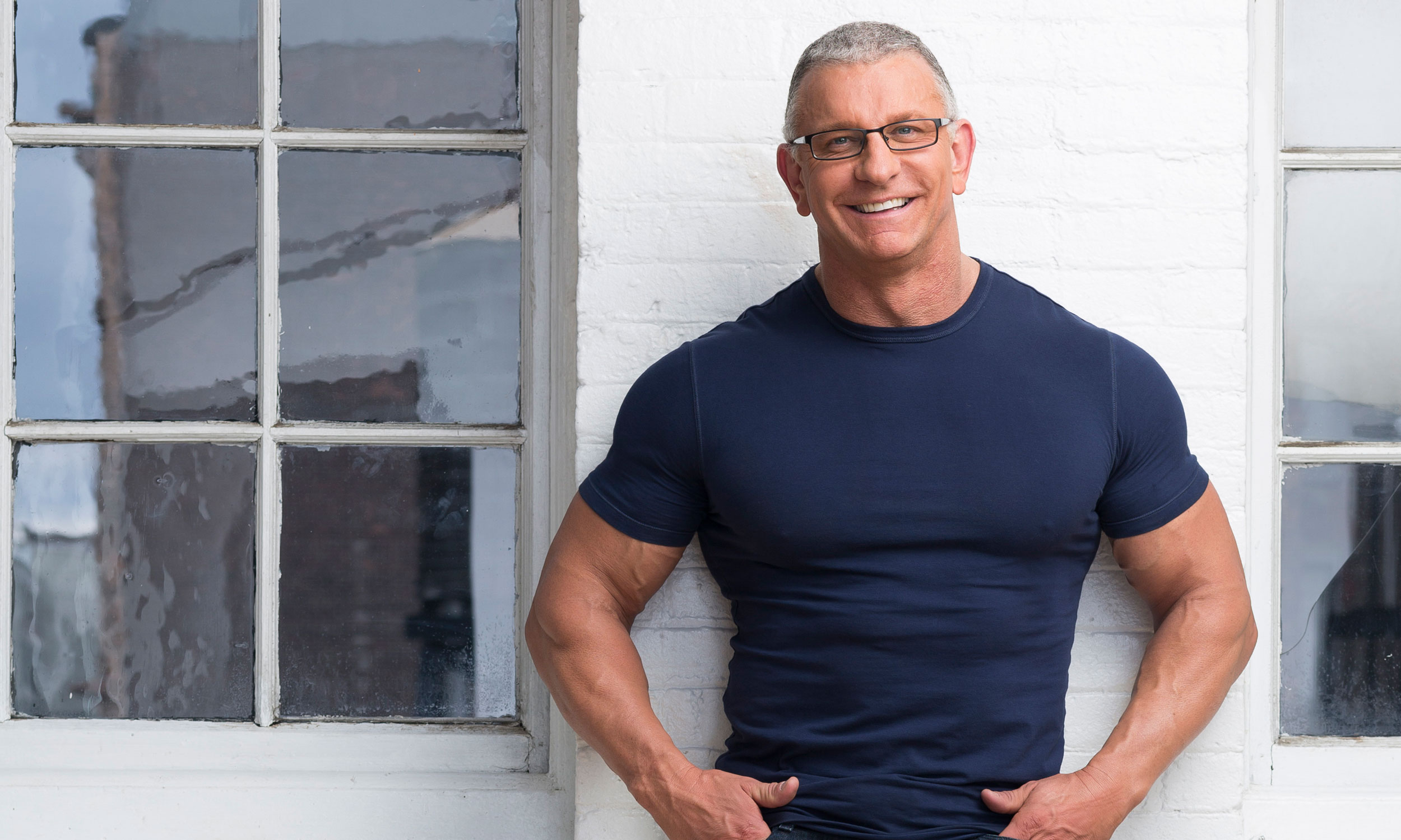Robert Irvine Phone number, Email Id, Fanmail, Instagram, Tiktok, and Contact Details