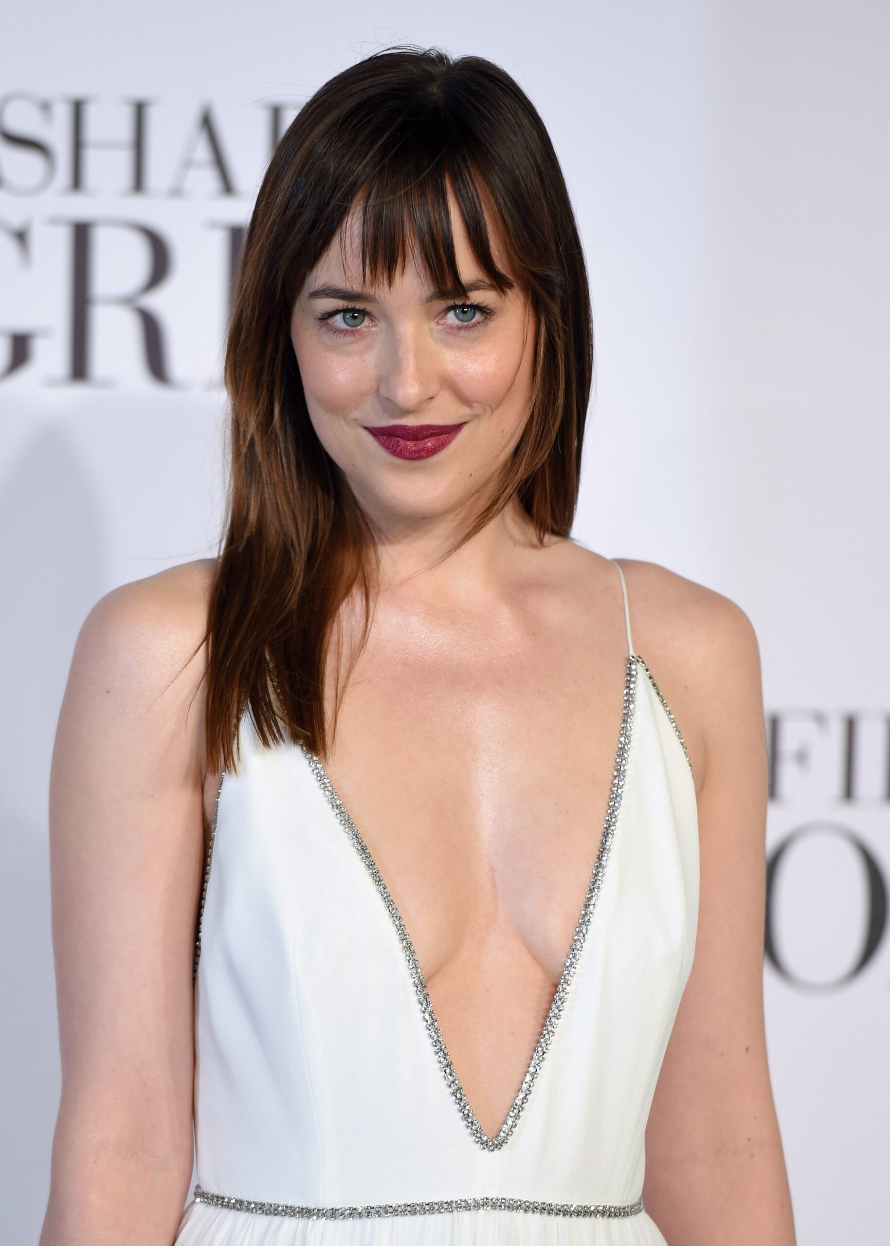 Dakota Johnson Phone number, Email Id, Fanmail, Instagram, Tiktok, and Contact Details