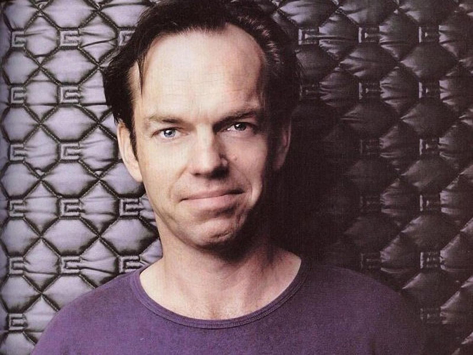 Hugo Weaving Phone number, Email Id, Fanmail, Instagram, Tiktok, and Contact Details