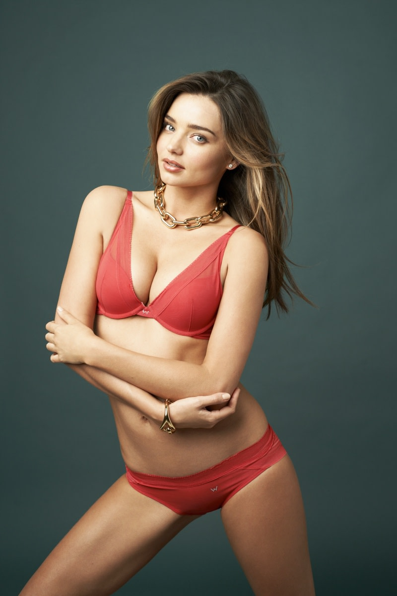 Miranda Kerr Phone number, Email Id, Fanmail, Instagram, Tiktok, and Contact Details