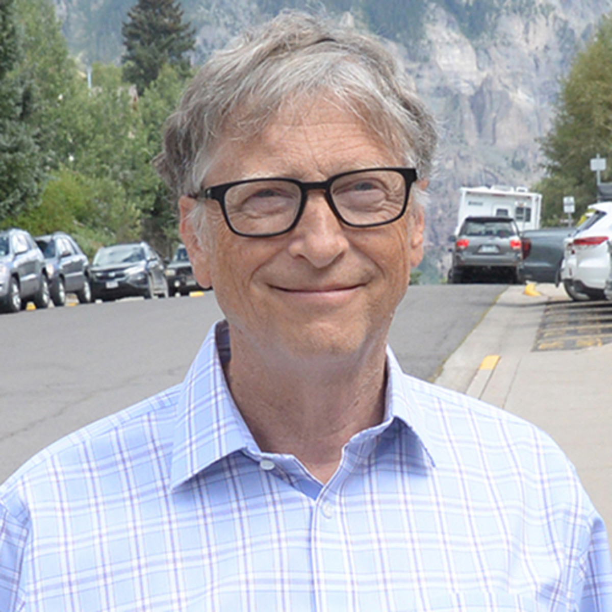 Bill Gates Phone number, Email Id, Fanmail, Instagram, Tiktok, and Contact Details