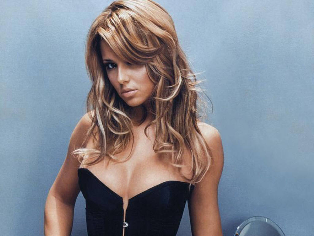 Cheryl Phone number, Email Id, Fanmail, Instagram, Tiktok, and Contact Details