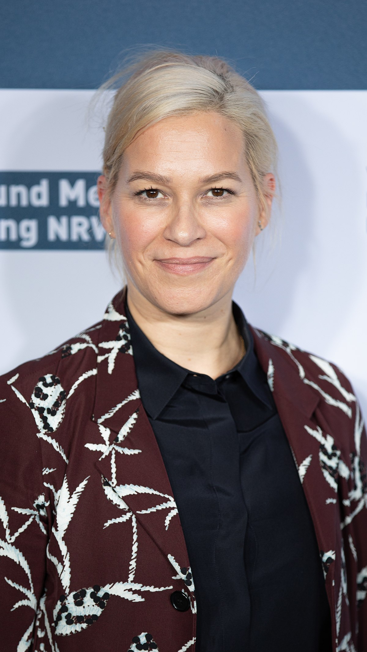 Franka Potente Phone number, Email Id, Fanmail, Instagram, Tiktok, and Contact Details