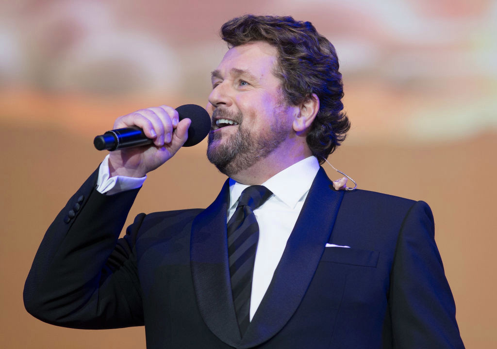 Michael Ball Phone number, Email Id, Fanmail, Instagram, Tiktok, and Contact Details